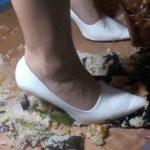 【フークラ】美脚で上品なお嬢様が白ハイヒールでフードクラッシュ!