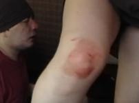 顔面膝蹴りでM男大出血!完全素人プライベートプレイの生々しい映像